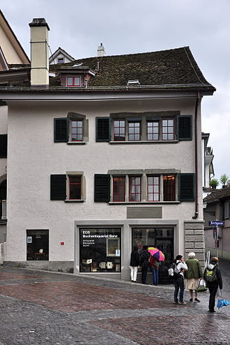 Johann Jakob Scheuchzer - Zürich, Zwingli-Platz (Grossmünster) : Former home of Konrad von Mure († 1280) and the house, where Johann Jakob Scheuchzer was born
