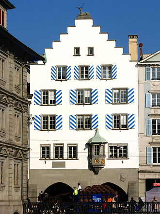 Altstadt (Zürich) - Guild house «Haue» at Limmatquai, Rathaus at the left side (2008)