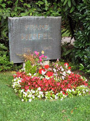 Franz Werfel - Image: Zentralfriedhof Werfel Franz