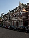 foto van Drie woonhuizen in eclectische stijl met neo-renaissancistische, Art Nouveau- en Chaletstijl-elementen