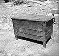 """""""Kason"""" (skrinja), ki so jih Čiči prodajali svoj čas v Kućibreg in drugod 1950.jpg"""