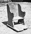 """""""Trončk"""" (stolček za na ognjišče). Imeli so jih le stari, bolni možje, Goče 1958 (cropped).jpg"""