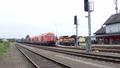 ÖBB 2016 mit einem Stahlzug auf der Thermenbahn im Bahnhof Fürstenfeld.png