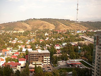 Kok-Tobe - Image: Вид на Кок Тюбе с многоэтажного здания