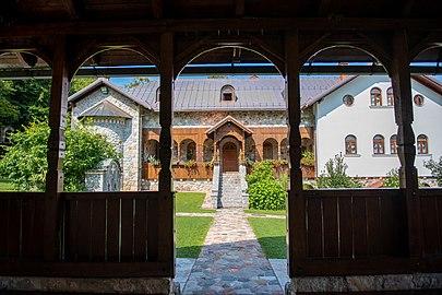 Православна црква и манастир Св. Благовијести, Липље, Теслић 04.jpg