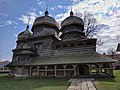 Церква Св. Юрія, вигляд з подвір'я.jpg