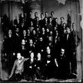 הרצל והפרקציה הדמוקרטית בקונגרס הציוני החמישי בבזל 1901. מתוך אוסף צנציפר-PHG-1002719.png