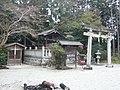 大淀町下渕 水神社(八幡神社境内社) Suijin-sha 2011.3.06 - panoramio.jpg