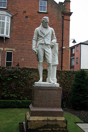 Statue of William Wilberforce, Wilberforce House, Hull 052-SFEC-HULL-20070329-WILBERFORCE.JPG