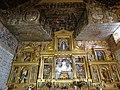 06a Pozuelo de la Orden ermita santa Ana Altar mayor y escudos Ni.jpg
