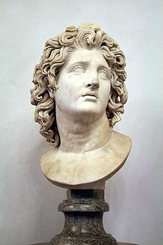 Бюст Александра Великого в образе Гелиоса. Капитолийские музеи (Рим).