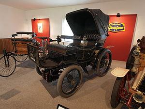 Albert Lemaître - An 1899 Peugeot, – Tipo 19 5hp, 1056cc,