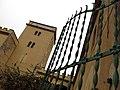 191 Casa Mas (Llorenç del Penedès), torre i reixa.JPG