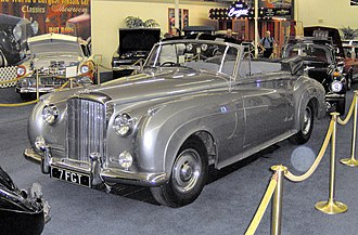 Bentley S2 - Image: 1962 Bentley S2 Mulliner Drophead Coupe