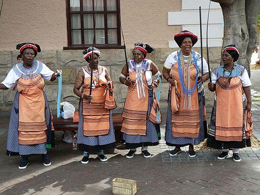 2008-02-09 Xhosa women