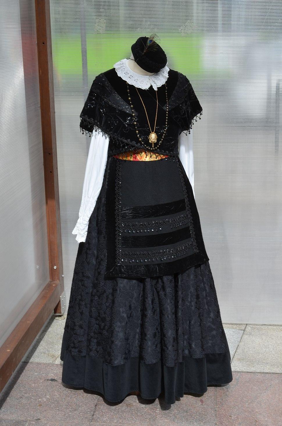 2014-10-18 - Galician Traditional Clothes - Vigo - Spain1