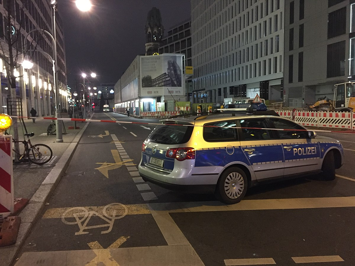 2016 Berlin Christmas market truck attack - after attack the 20-12-2016 06 - polizei car.jpg