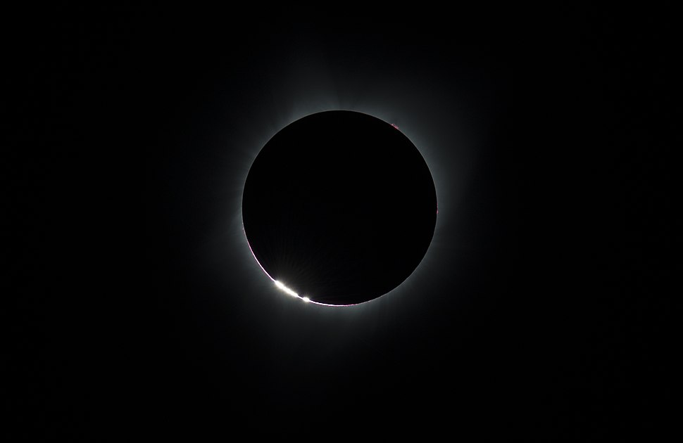 2017 Total Solar Eclipse (36549747932).jpg