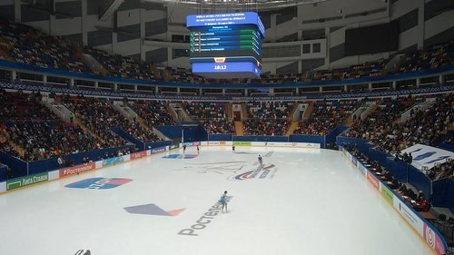 Файл:2021-02-27 - 2021 Russian Cup Final - Ladies SP Warm-up Group 1.ogv
