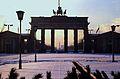 23 Berlin-Klassenfahrt 1979- Brandenburger Tor (Ostberlin) (18163181628).jpg