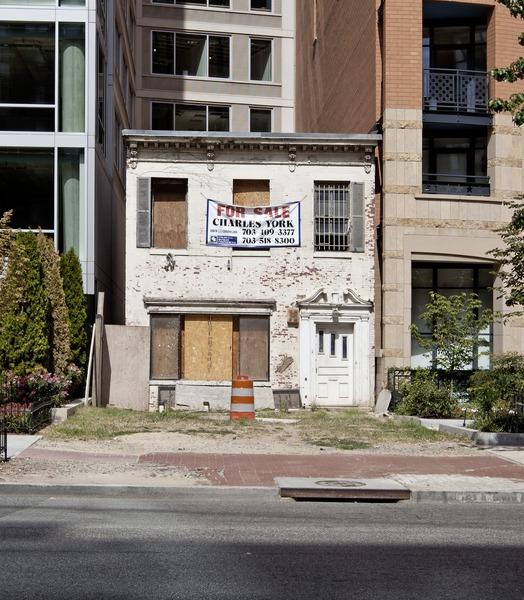 File:Abandoned Building, Massachusetts Ave. Near I St., NW