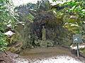 Abbaye de Royaumont grotte de saint louis.JPG