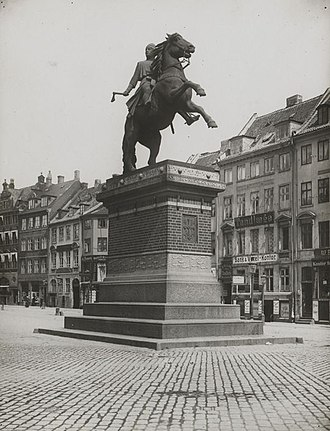 Equestrian statue of Absalon - The Absalon statue in the 1900s