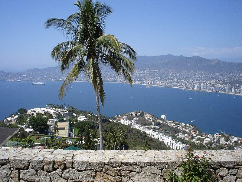 Datoteka:Acapulco - Visto desde la Capilla Ecuménica de la Paz.JPG