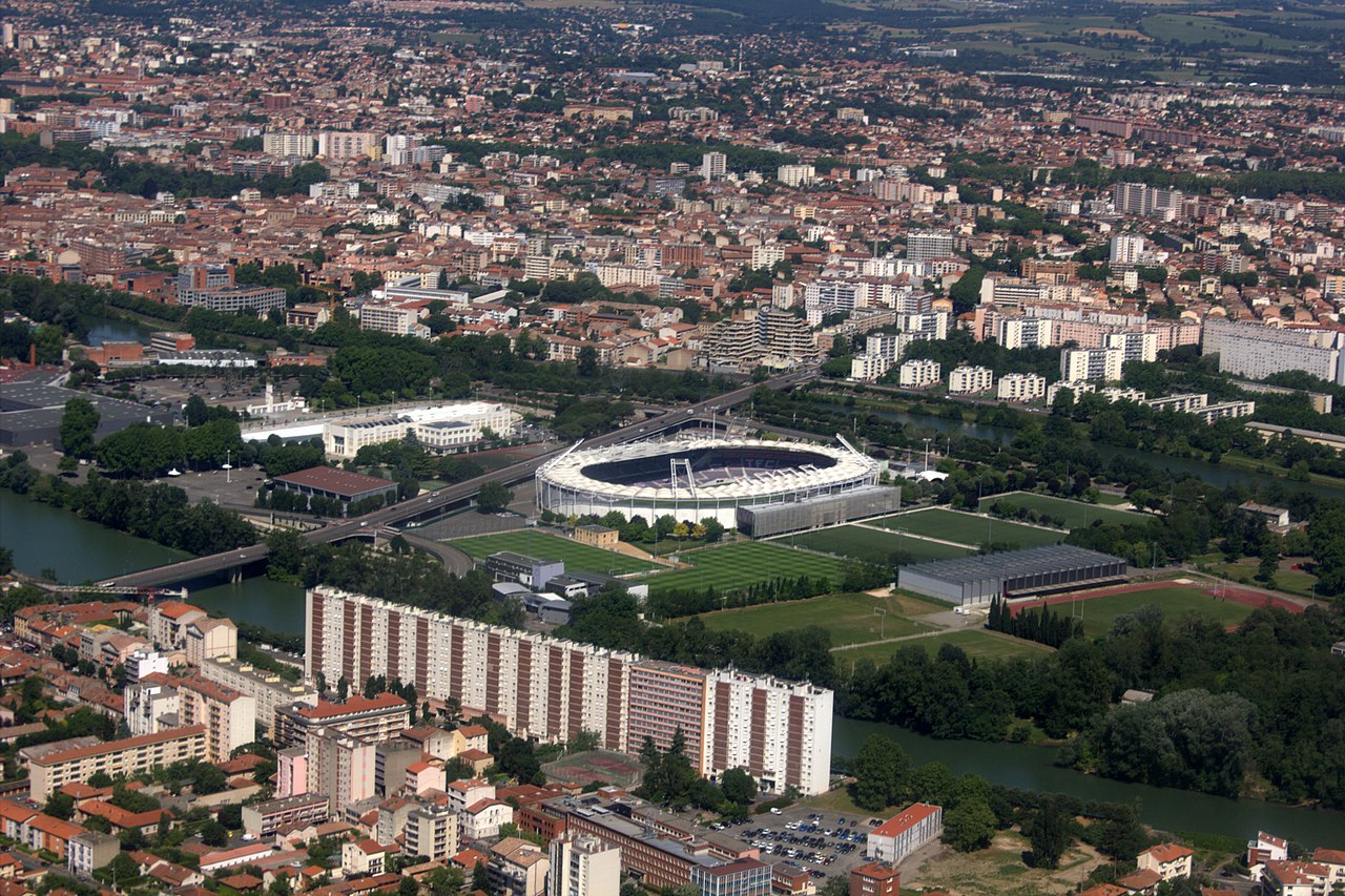 1280px-Aerial_view_of_Stadium_Toulouse.jpg