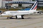 Air France, F-GUGG, Airbus A318-111 (32903481882) (2).jpg