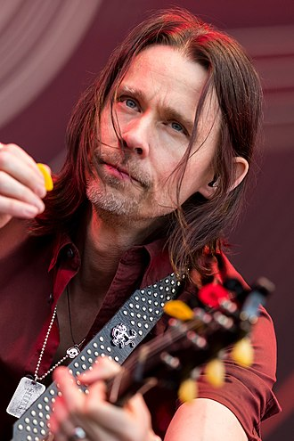 Myles Kennedy - Kennedy performing with Alter Bridge in 2017