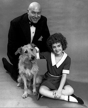 Reid Shelton - Shelton as Daddy Warbucks in the musical Annie in 1977.