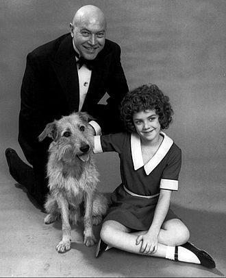Annie (musical) - Andrea McArdle, Reid Shelton and Sandy, 1977.