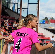 2de71fa0 Andrine Hegerberg con la maglia del Kopparbergs/Göteborg nel 2014.