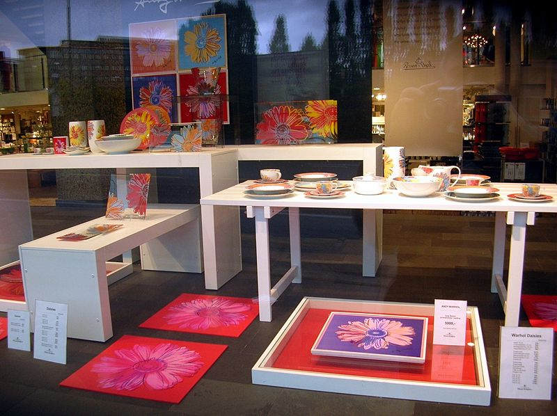File:Andy Warhol - design, shop in Oslo.jpg