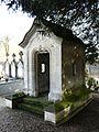 Annesse cimetière caveau.JPG