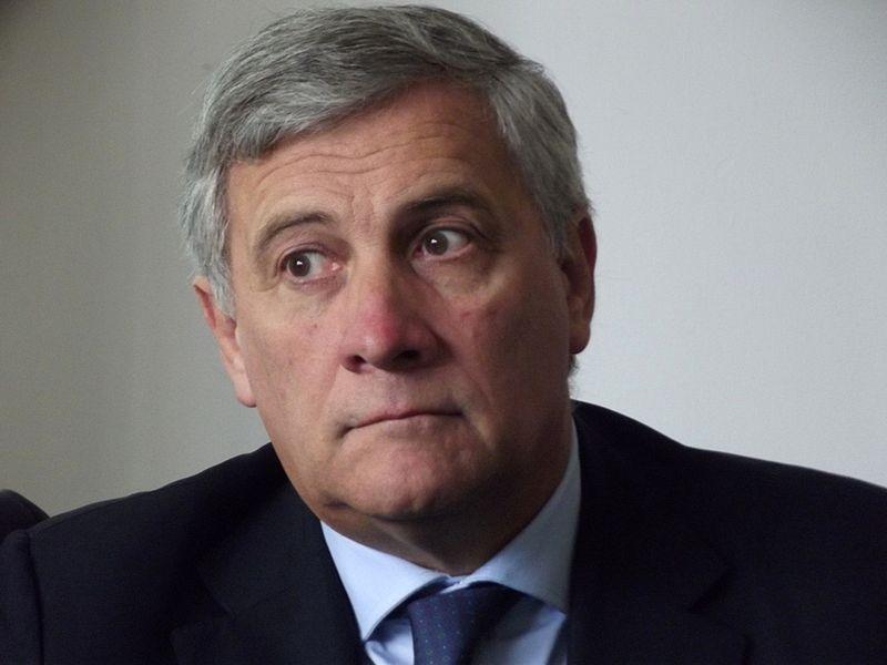 Antonio Tajani homófobo y con ataques constantes a los derechos de las mujeres