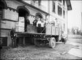 ArbeiterInnen mit Gasmasken und Stahlhelm - CH-BAR - 3241279.tif