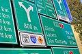 Autobahn-Signalisationstafeln im Verkehrshaus.jpg