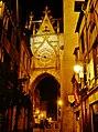 Auxerre Uhrturm bei Nacht 3.jpg