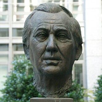 Axel Springer - Bronze sculpture of Springer at the court yard of the Hamburger Abendblatt