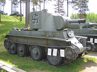 QF 4.5-inch howitzer - Finnish BT-42 self-propelled gun at Parola Tank Museum, armed with a QF 4.5 inch