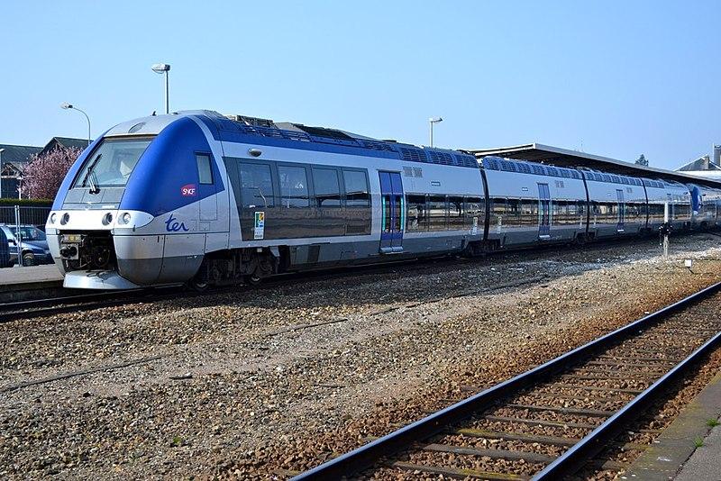 File:B 82500 SNCF - Dieppe - 2011-03-12 1 - 8Uhr.jpg