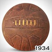 Photographie d'un ballon de football marron, de la Coupe du monde de 1934.