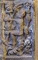 Basilique Saint-Sauveur de Dinan (Côtes d'Armor), chapelle axiale, panneau renaissance, personnage dans un arbre.jpg