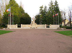 War memorials (Oise) - The war memorial at Beauvais