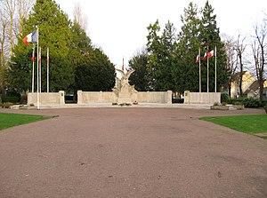 Henri-Léon Gréber - The WWI monument aux morts by Henri-Léon Gréber at Beauvais (Oise), France