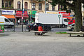 Berlin zwei Kopftuchtraegerinnen am KaiserWilhelmPlatz 23.09.2011 13-49-59.JPG