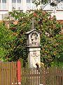 Boží muka se sochou svatého Jana Nepomuckého, v zahradě čp. 46 (2).jpg