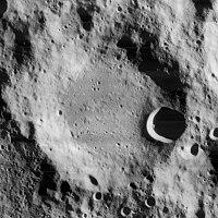 Boguslawsky crater 4082 h2.jpg